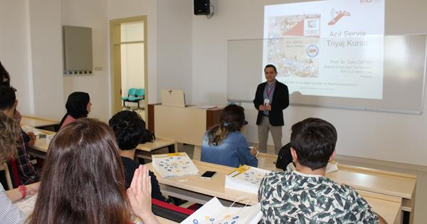 """Triaj Course"" given by Prof. Dr. Cem Oktay"